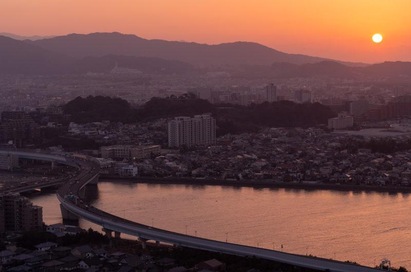 夕日と室見川と福岡都市高速