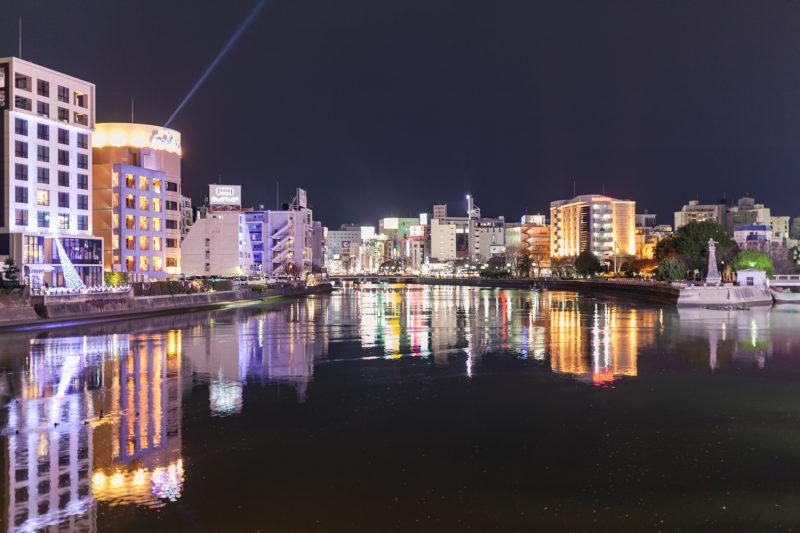那珂川沿いの春吉中洲方面の写真