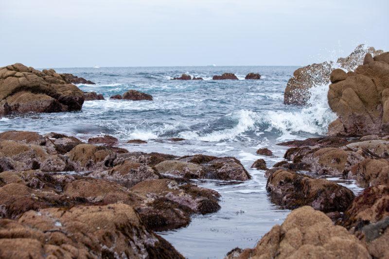 海、波しぶき