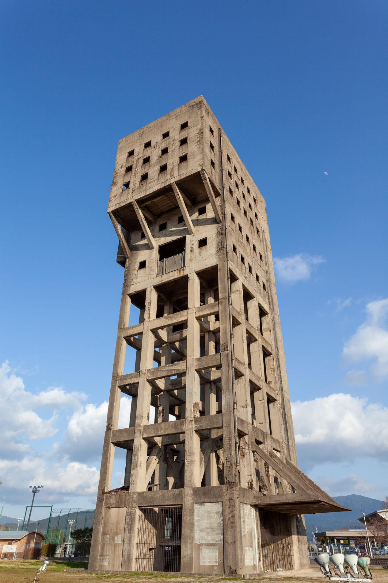 志免鉱業所竪坑櫓の写真