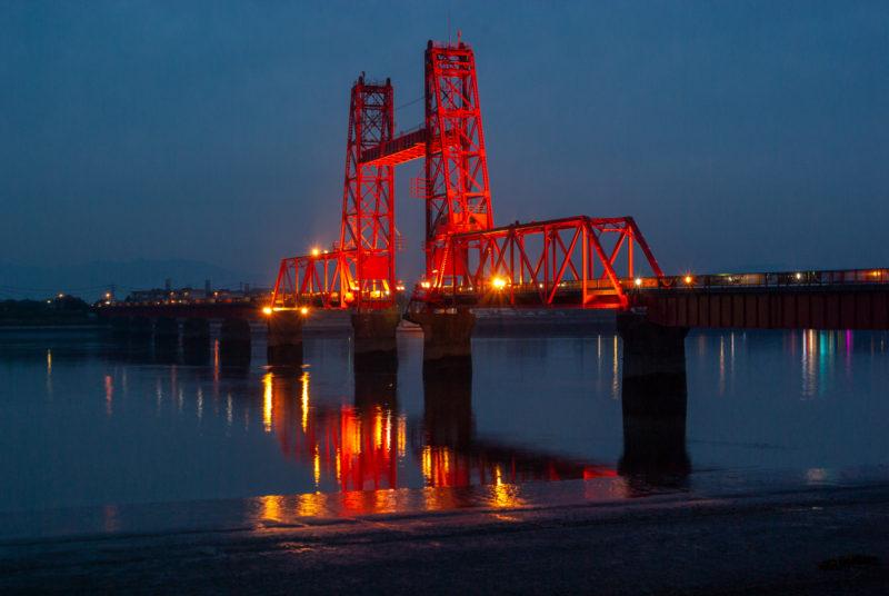 福岡県大川市の赤い橋 筑後川昇開橋 ライトアップ