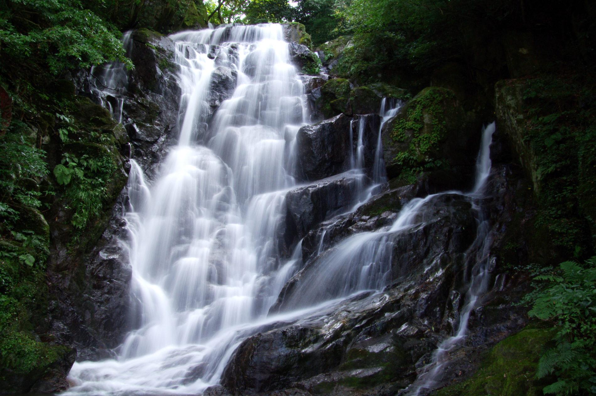 福岡県糸島市白糸の滝