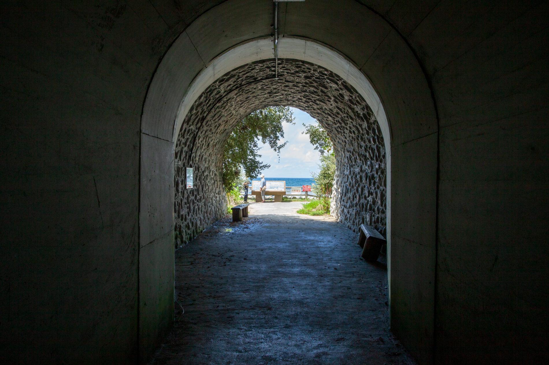 島根県浜田市石見畳ヶ浦のトンネル